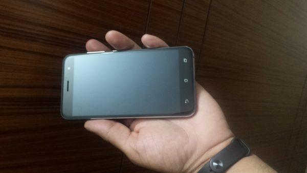 ZenFone 3 front